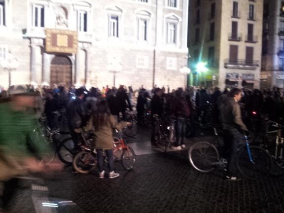A bike rally in the Barri Gotíc.